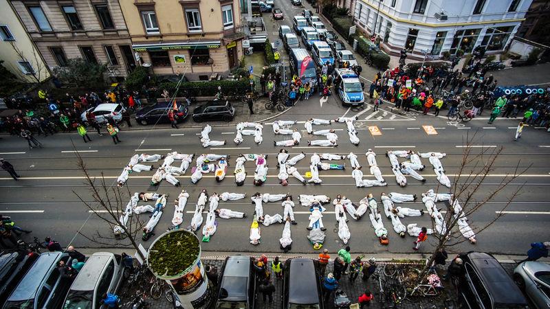 BUND, BUND Frankfurt, Greenpeace, VCD, NixNOx, Demo, Friedberger Landstraße, Mobilität
