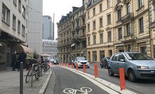 Neue Fahrradspur in der Hochstraße in Frankfurt