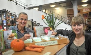 Melanie Luehrs und Andrea Johanna Hensgen - Saatgutbibliothek in der Stadtteilbuecherei